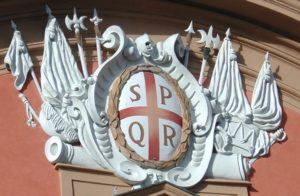 Римская аббревиатура SPQR